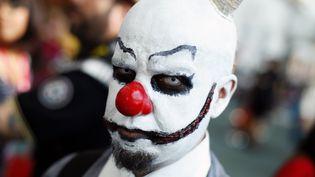 Un homme déguisé en clown lors dufestival Comic Con à San Diego (Etats-Unis), le 22 juillet 2011. (MIKE BLAKE / REUTERS )