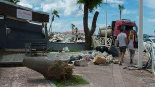Une partie de la population de Saint-Martin bloque depuis près d'une semaine les principaux axes de l'îlepour protester. (LA 1ERE)