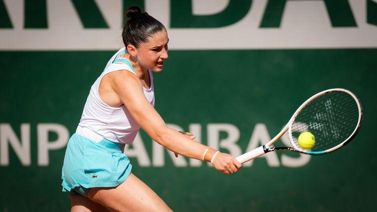 La joueuse de tennis française, Elsa Jacquemot, lors de sa finalevictorieuse du tournoi juniors de Roland-Garros,le 10 janvier 2020, à Paris.  (ROB PRANGE / SPAINDPPI)