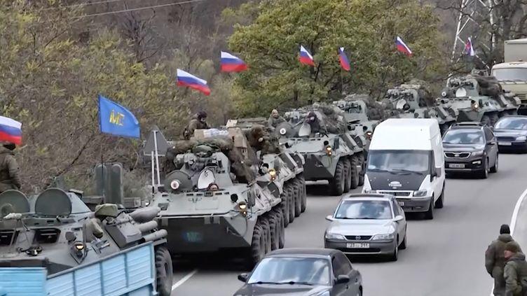 Des Arméniens quittent le district de Kelbadjar, territoire cédé à l'Azerbaïdjan, le 13 novembre 2020. (RADIO FREE EUROPE/RADIO LIBERTY)