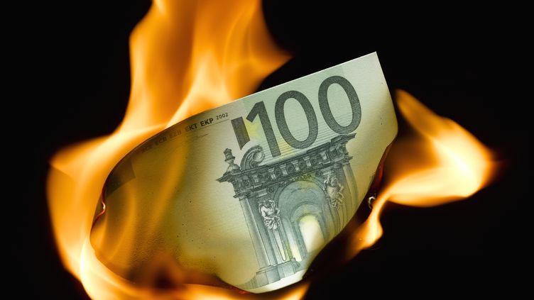 Les centaines d'agences de l'Etat coûtent environ 50 milliards d'euros par an, pour une efficacité douteuse. (DON FARRALL / GETTY IMAGES)