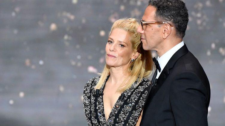 Marina Foïs, maîtresse de cérémonie, et Roscdy Zem, président de la 46e cérémonie des César, le 12 mars 2021. (PIERRE VILLARD / POOL)