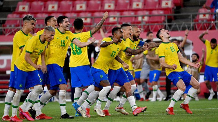 Bientôt un nouveau titre pour le Brésilien Dani Alves ? (MARTIN BERNETTI / AFP)
