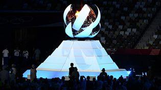 La flamme olympique s'éteint, marquant la fin des Jeux olympiques de Tokyo de 2021, après un report d'une année et un contexte de pandémie mondiale inédit. Pour la deuxième fois de son histoire, le Japon accueillait la compétition sportive mondiale sur son sol. (JEWEL SAMAD / AFP)