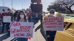 Brésil : une partie du pays manifeste contre Jair Bolsonaro. (FRANCEINFO)