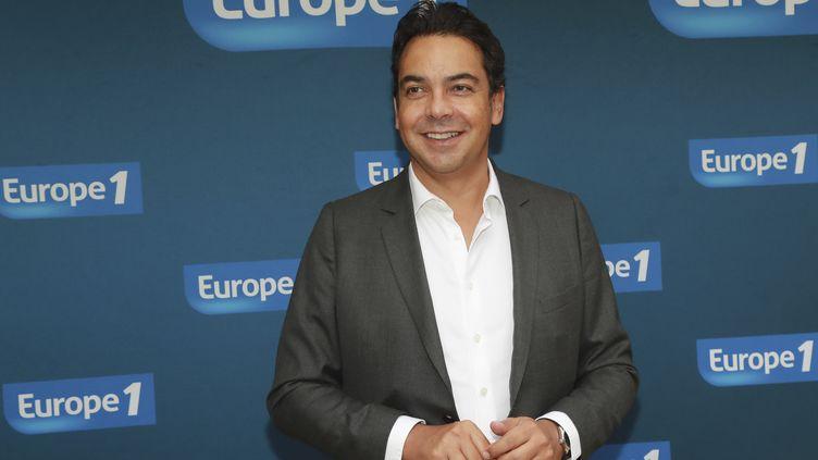 Le journaliste d'Europe 1Patrick Cohen, le 12 septembre 2016, lors d'une conférence de presse à Paris. (JACQUES DEMARTHON / AFP)