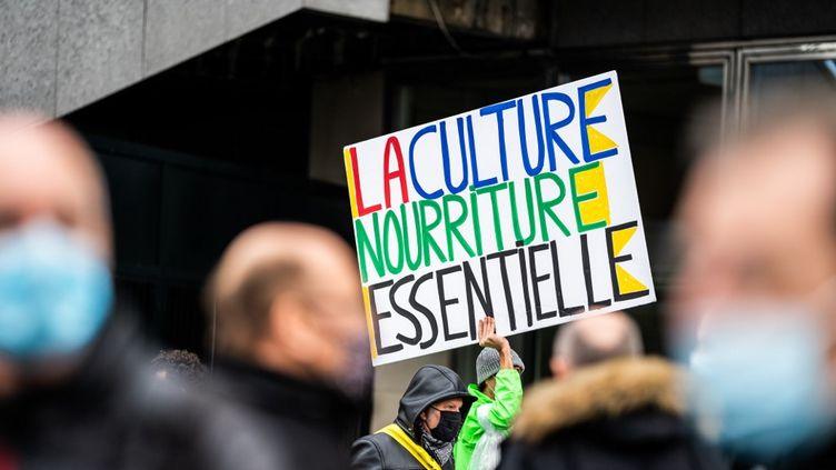 Des professionnels du monde de la culture manifestent place de la Bastille, à Paris, le 15 décembre 2020. (XOSE BOUZAS / HANS LUCAS / AFP)