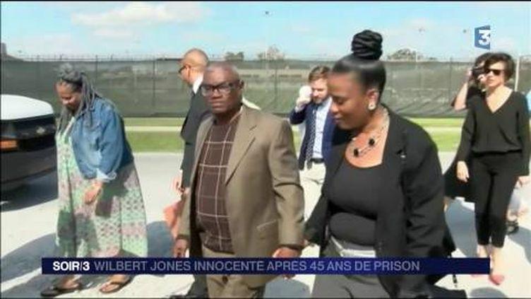 Wilbert Jones est libre après 45 ans de prison pour rien. (FRANCE 3)