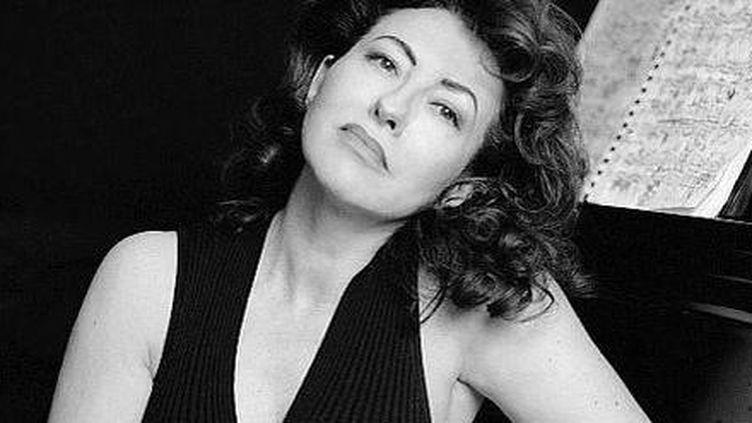 Pianiste engagée et créatrice de trois festivals insulaires, Lydia Jardon se bat pour mettre en valeur des partitions oubliées  (Alexandra de Léal)