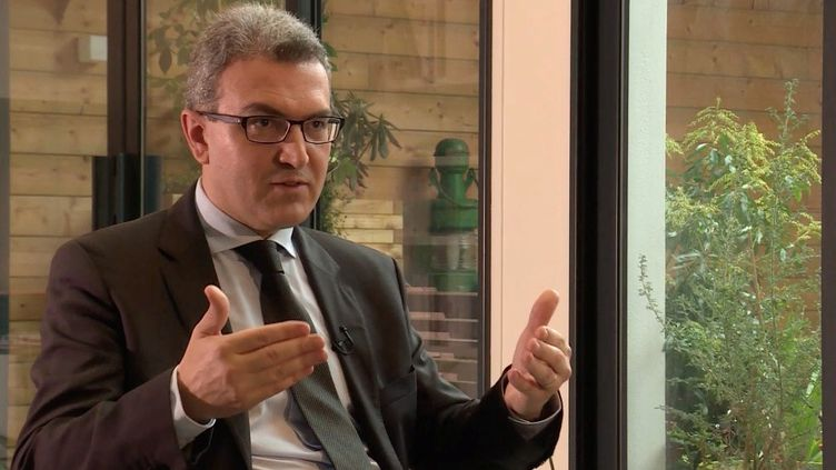 Aymeric Chauprade dit avoir été menacé quand il a quitté le FN. (FRANCE 2 / FRANCETV INFO)