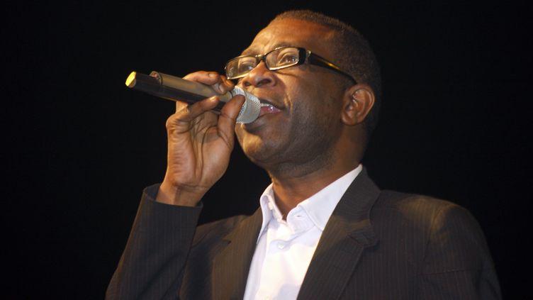 Le chanteur sénégalais Youssou N'Dour, le 10 mars 2012 à Dakar (Sénégal). (TOUREBEHAN / AFP)