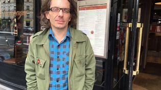 """Jean-Baptiste Thoret, historien, théoricien du cinéma, réalisateur et directeur de la collection DVD """"Make My Day"""" (Ed. Potemkine) (Jacky Bornet / France Info Culture)"""
