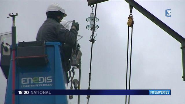 Météo : des dizaines de milliers de foyers toujours privés d'électricité