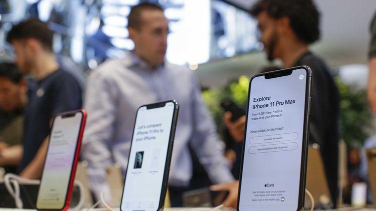 Un Apple Store à New York (USA). Photo d'illustration. (KENA BETANCUR / AFP)