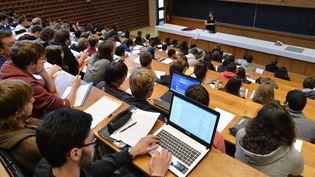 Il faut être boursier et changer d'académie après la licence pour bénéficier d'une aide de 1 000 euros. (MAXPPP)