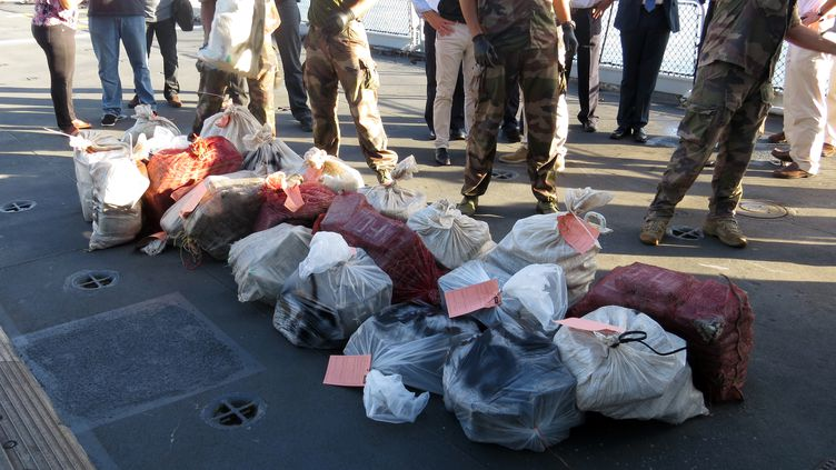 La saisie en octobre 2015 de 808 kg de cocaïne au large de la Guadeloupe. (- / FRENCH CUSTOMS OFFICE)