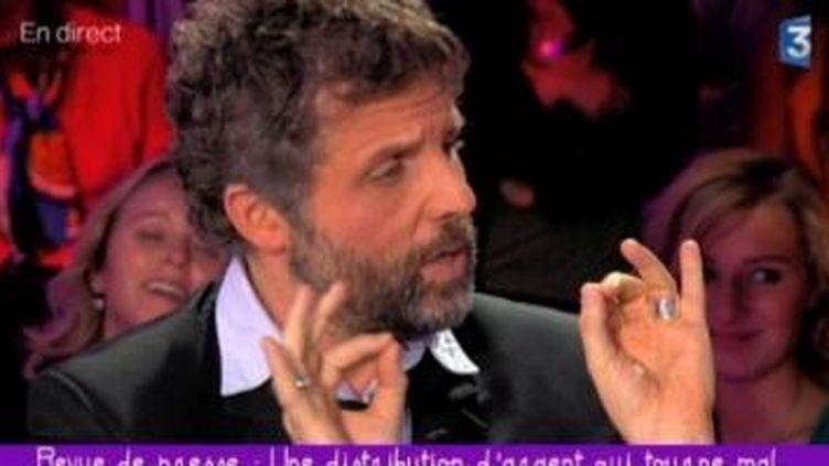 Stéphane Guillon sur le plateau de Ce soir ou jamais  (Culturebox)