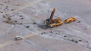 Un forage réalisé par le groupe Areva en Namibie, en mai 2012, après le rachat du groupe Uramin. (COLIN MATTHIEU / AFP)