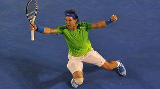 Rafael Nadal juste après sa victoire face à Roger Federer 26 janvier 2012 en demi-finale de l'Open d'Australie, à Melbourne. (NICOLAS ASFOURI / AFP)