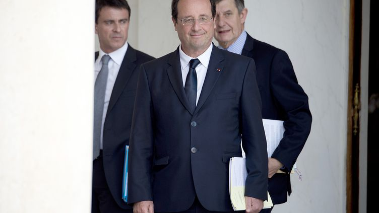Françoise Hollande, Jean-Pierre Jouyet etManuel Vallsà l'Elysee le 18 juin 2014 (ALAIN JOCARD / AFP)