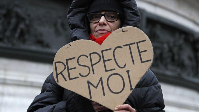 Manifestation pour l'égalité salariale à Paris le 7 novembre 2016. (THOMAS SAMSON / AFP)