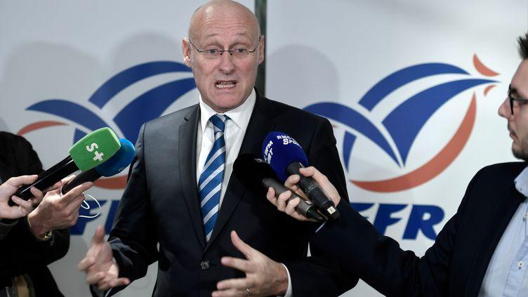 Bernard Laporte, président de la Fédération française de rugby, lors d'une conférence de presse, le 27 décembre 2017, à Paris. (STEPHANE DE SAKUTIN / AFP)