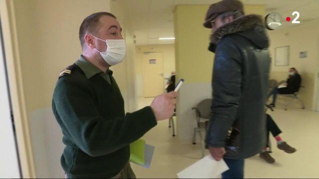 Vaccin contre le Covid-19 : les militaires et les sapeurs-pompiers mis à contribution