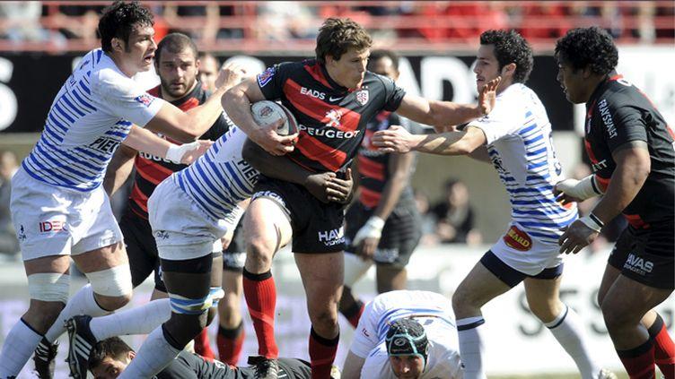 Burgess échappe à Lacrampe. Toulouse-Castres promet un combat acharné.