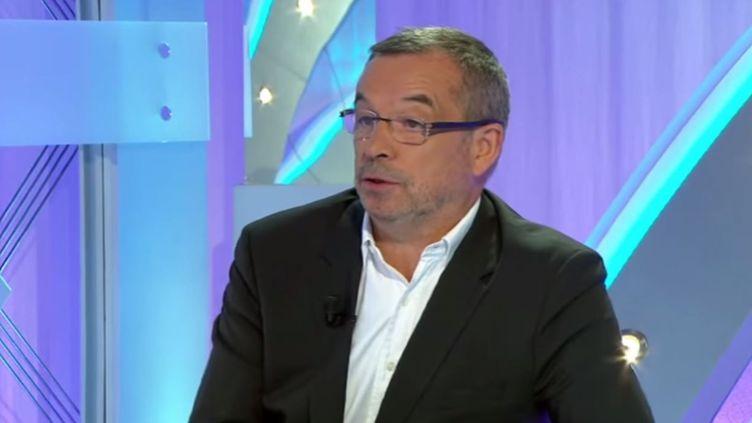 L'expert-comptable Pierre Godet, le 14 juillet 2014, sur Sport 365. (MICHEL ANGELO / YOUTUBE)