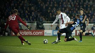 Kylian Mbappé le 22 octobre 2019 lors de la large victoire du PSG sur le terrain du FC Bruges en phase de poule de la Ligue des champions (5-0). (KENZO TRIBOUILLARD / AFP)