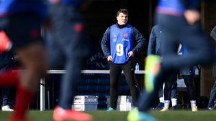 Antoine Dupont durant un entraînement du XV de France, le 11 février 2021 à Marcoussis (Essonne). (FRANCK FIFE / AFP)