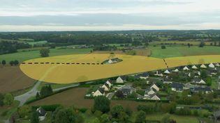 """""""C'est la société qui a mis les agriculteurs dans la chimie, à elle de les en sortir"""", estime le maire anti-pesticides de Langouët (ENVOYÉ SPÉCIAL / FRANCE 2)"""