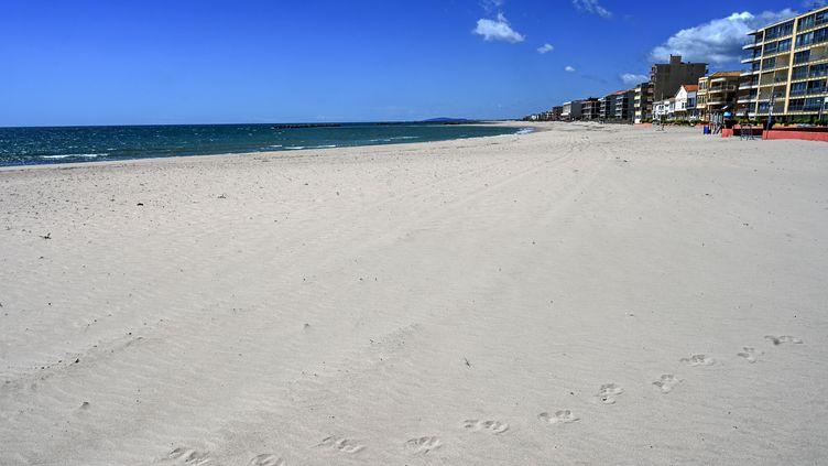 La plage déserte de Palavas-les-Flots, le 29 avril 2020, en plein confinement lié au coronavirus. (PASCAL GUYOT / AFP)