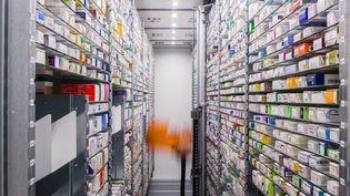 Une pharmacie stocke des médicaments à Angoulême (Charente), le 25 janvier 2018. (BURGER / PHANIE / AFP)
