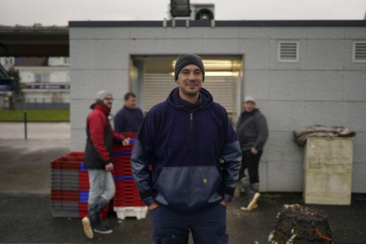 Le patron de pêche Martin Josse à Calais, le 9 décembre 2020. (PIERRE-LOUIS CARON / FRANCEINFO)