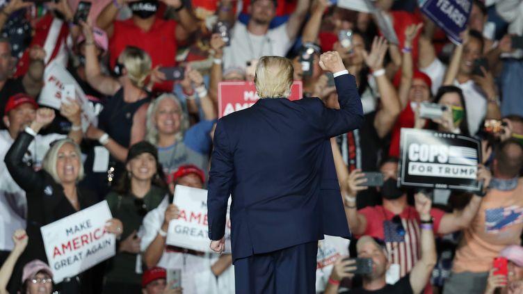 Donald Trump en meeting à Sanford (Floride), le 12 octobre 2020. (JOE RAEDLE / GETTY IMAGES NORTH AMERICA VIA AFP)
