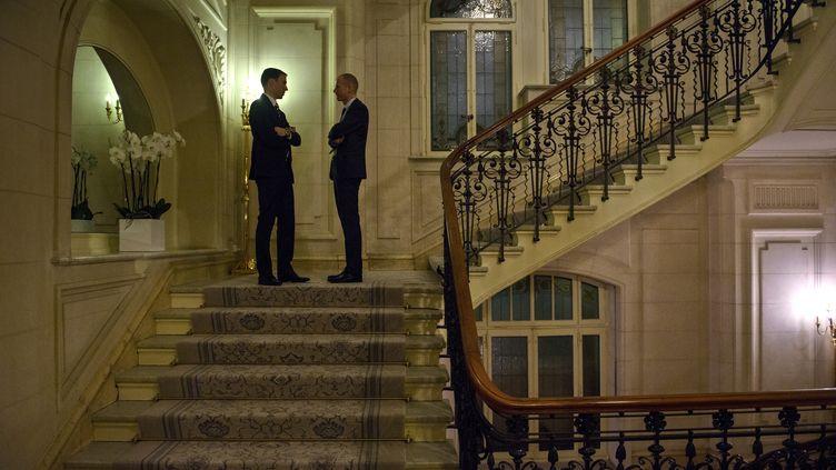 Les négociations sur le nucléaire iranien se déroulent à l'hôtel Beau Rivage de Lausanne (Suisse). (BRENDAN SMIALOWSKI / AFP)