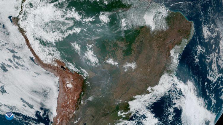 Vue de l'Amazonie depuis l'espace, photographiée le 21 août 2019. (NASA / AFP)