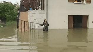 Quatre départements (Aube, Marne, Haute-Marne et Yonne) sont placés en vigilance orange aux crues. Dans l'Aube, les dégâts sont déjà importants, mardi 7 mai 2013. (FRANCE 2 / FRANCETV INFO)