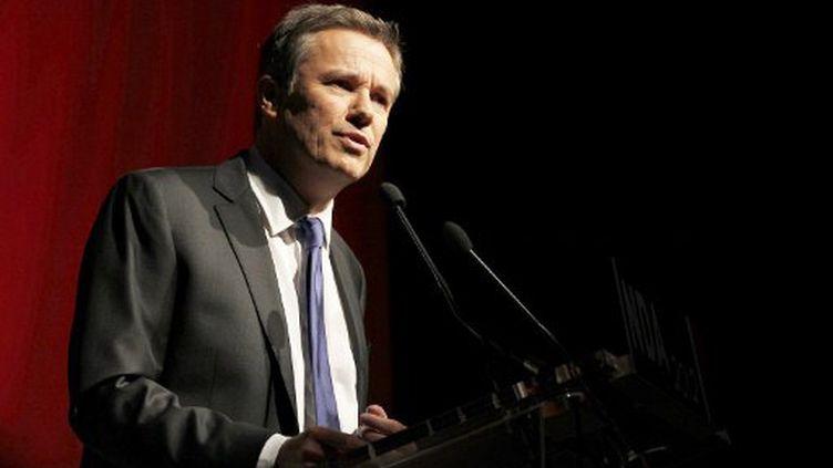 """Le leader du parti """"Debout la République"""", Nicolas Dupont-Aignan lors du congrès de son parti en novembre 2010 à Paris (AFP PHOTO FRANCOIS GUILLOT)"""