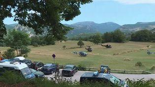 Un forcené est toujours introuvable dans un petit village de montagne, Gréolières, dans les Alpes-Maritimes. Cet homme est soupçonné d'avoir tué une jeune femme dans le Var. (CAPTURE ECRAN FRANCE 3)