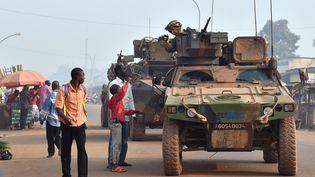 Une patrouille française de l'opération Sangaris, à Bangui, en Centrafrique, en février 2016. (ISSOUF SANOGO / AFP)