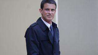 Le Premier ministre Manuel Valls quitte l'Elysée, le 19 mai 2016, à Paris. (YOAN VALAT / EPA)