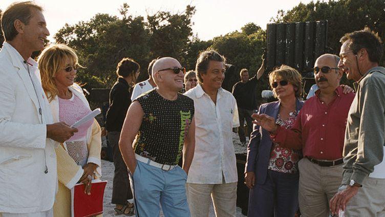 Patrice Leconte à droite et la troupe du Splendid lors du tournage des Bronzés 3  (JEAN MARIE LEROY / COLLECTION CHRISTOPHEL)