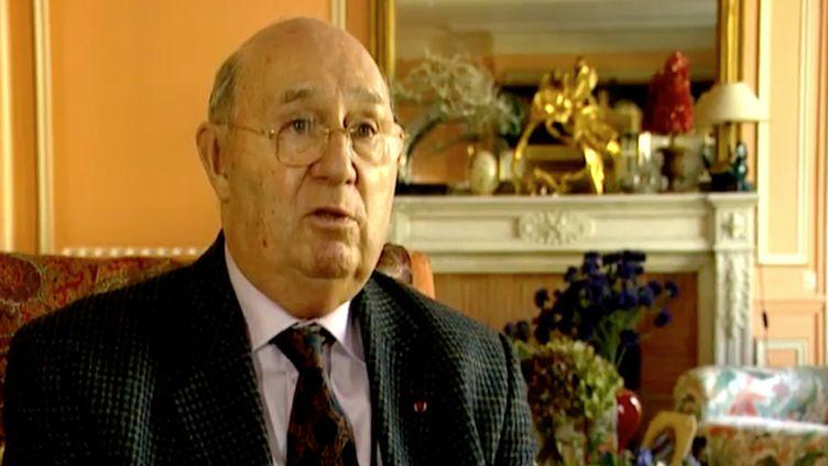 Lucien Neuwirth, l'homme qui a fait passer la pilule