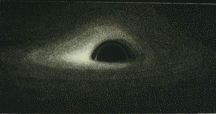 LeFrançais Jean-Pierre Luminet avait réalisé la première modélisation théorique d'un trou noir en 1979, après avoir dessiné à la main les résultats de calculs informatiques. (JEAN-PIERRE LUMINET)