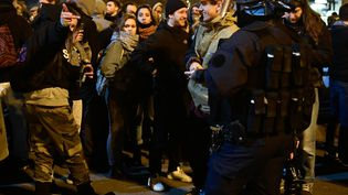 Manifestaion dans le centre ville de Nantes, en réaction à l'interpellation violente du jeune Théo par des policiers àAulnay-sous-Bois en Seine-Saint-Denis, le 8 février 2017. (MAXPPP)