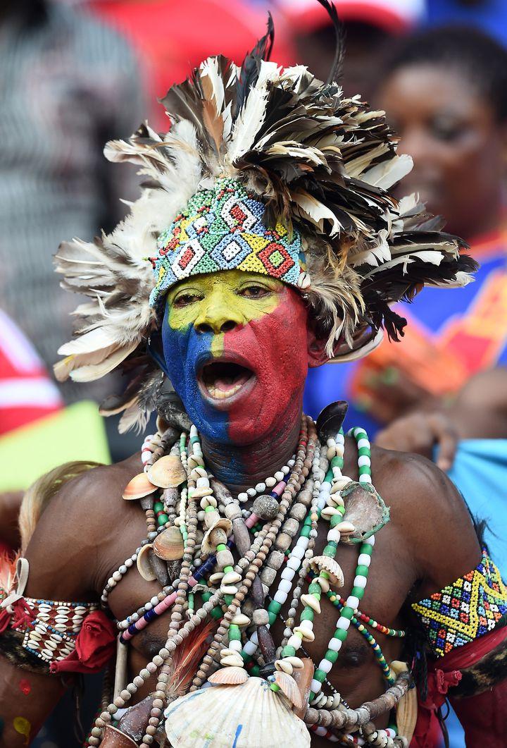 Un supporter de la Guinée équatoriale lors du match de son équipe face à la Tunisie, le 31 janvier 2015, à Bata (Guinée équatoriale). (CARL DE SOUZA / AFP)