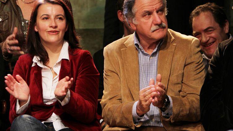 La secrétaire nationale d'Europe Ecologie-Les Verts Cécile Duflot et le député-maire de Bègles Noël Mamère, le 1er décembre 2011 à Paris. (JONATHAN REBBOAH / WOSTOK PRESS / MAXPPP)