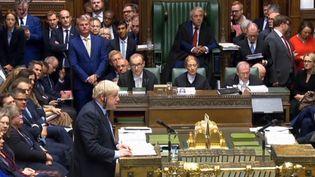 Le Premier ministre Boris Johnson s'exprime face à la Chambre des communes, samedi 19 octobre 2019. (AFP)